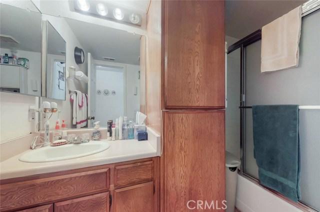 519 E Hazel Street, Inglewood CA: http://media.crmls.org/medias/f6597dd4-d929-4269-8c38-c5aa83ec108c.jpg