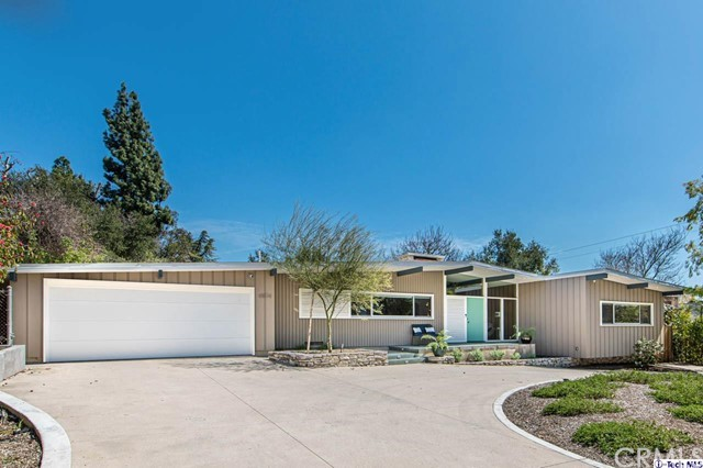 4804 Palm Drive, La Canada Flintridge CA: http://media.crmls.org/medias/f66d501d-6e82-44bb-b20a-941269a7ddf4.jpg
