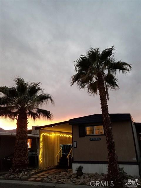 51555 Monroe Street, Indio CA: http://media.crmls.org/medias/f670c2d2-28c3-4f7d-b258-a94db6acacca.jpg
