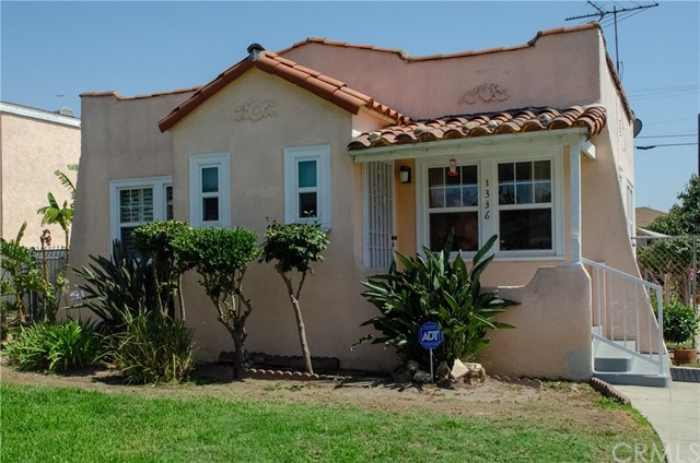 1336 W 61st Street Los Angeles, CA 90044 - MLS #: RS18170035