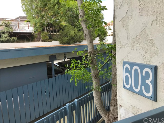 603 S Prospect Avenue, Redondo Beach CA: http://media.crmls.org/medias/f689a560-830f-4429-8f1a-98a64bb890b9.jpg