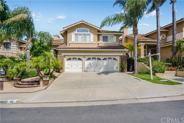 916 S Creekview Lane, Anaheim Hills, California