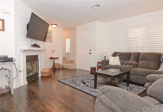 Detail Gallery Image 1 of 21 For 8408 Spring Desert Pl C, Rancho Cucamonga, CA 91730 - 2 Beds   2/1 Baths