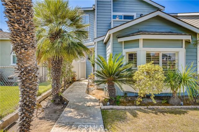 909 Huntington Street, Huntington Beach CA: http://media.crmls.org/medias/f6916817-2556-4b51-8a33-6a6d5c2a4cea.jpg