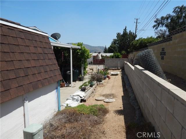 2200 W WILSON Street, Banning CA: http://media.crmls.org/medias/f6970007-7018-41f3-8d74-dc8317503862.jpg