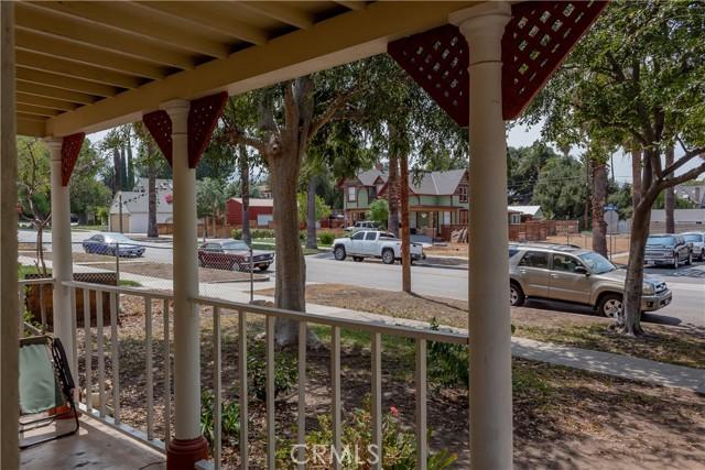 1025 S Victoria Avenue, Corona CA: http://media.crmls.org/medias/f6a1fad8-2c49-4a56-958a-0bd2288b2746.jpg