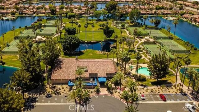 186 Desert Lakes Drive, Rancho Mirage CA: http://media.crmls.org/medias/f6a4ce23-1418-4e84-b57e-bf073490e3d5.jpg