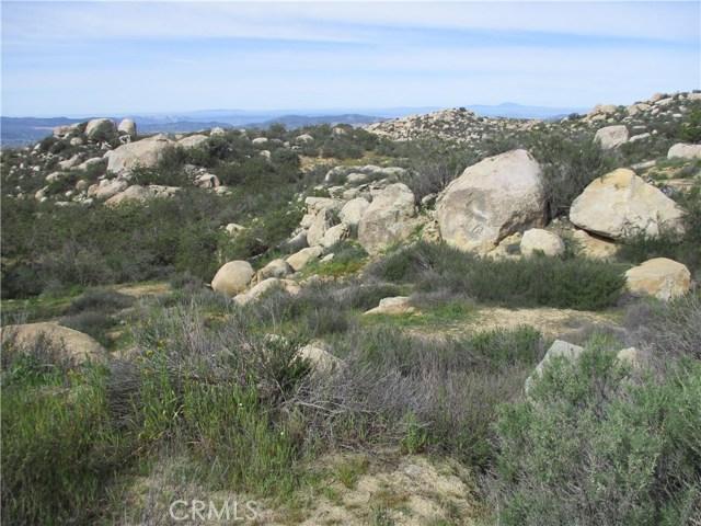 991 Crazy Horse Canyon Road, Aguanga CA: http://media.crmls.org/medias/f6a7682d-5b25-4523-ac4d-0d5e565ececb.jpg
