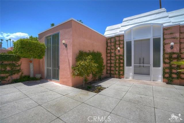 47043 Arcadia Lane, Palm Desert CA: http://media.crmls.org/medias/f6b6a157-977f-416e-ac4a-f7570891fd1f.jpg