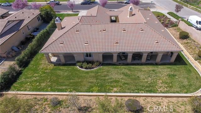 10911 Plum View Lane, Yucaipa CA: http://media.crmls.org/medias/f6cb80b1-7c7b-45e5-aed9-32a984907e80.jpg