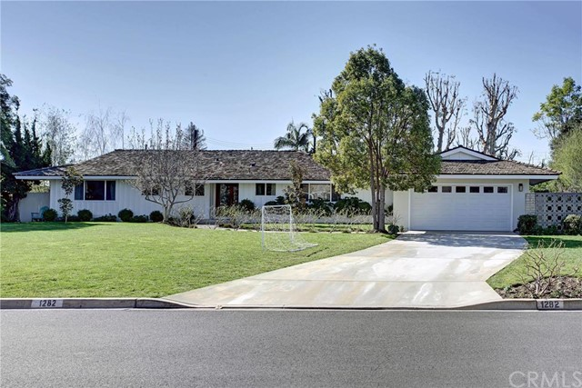Single Family Home for Sale at 1282 Landfair St North Tustin, California 92705 United States