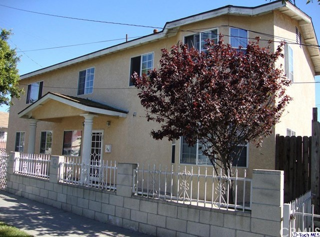 Single Family Home for Sale at 720 19 Street E Long Beach, California 90806 United States