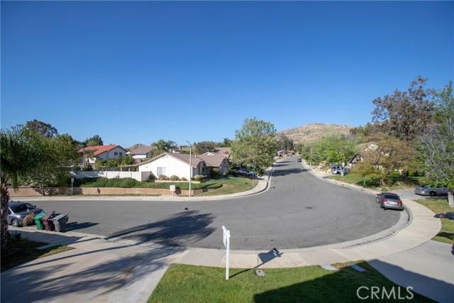 24365 Peppermill Drive, Moreno Valley CA: http://media.crmls.org/medias/f702fd67-ff9a-44af-9f9e-5ad21801d52a.jpg