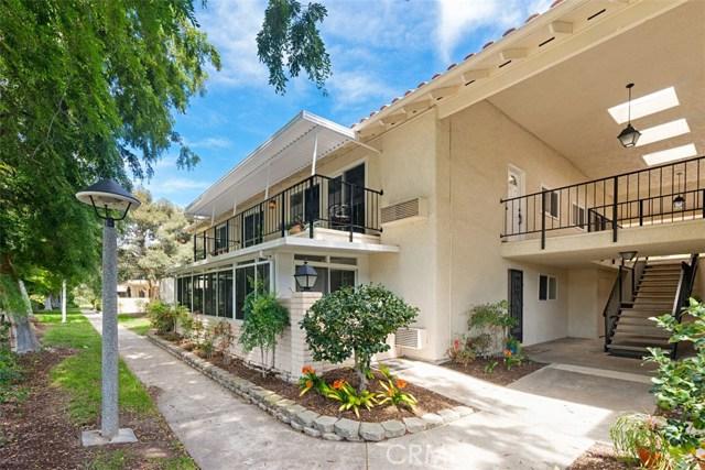 3309 Via Carrizo, Laguna Woods CA: http://media.crmls.org/medias/f7060ae4-348c-4a25-b8e5-77f4ad55f57c.jpg