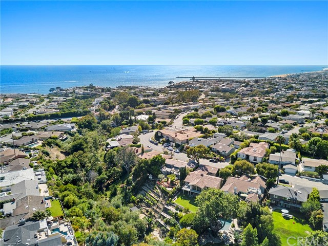 536 Seaward Road Corona del Mar, CA 92625