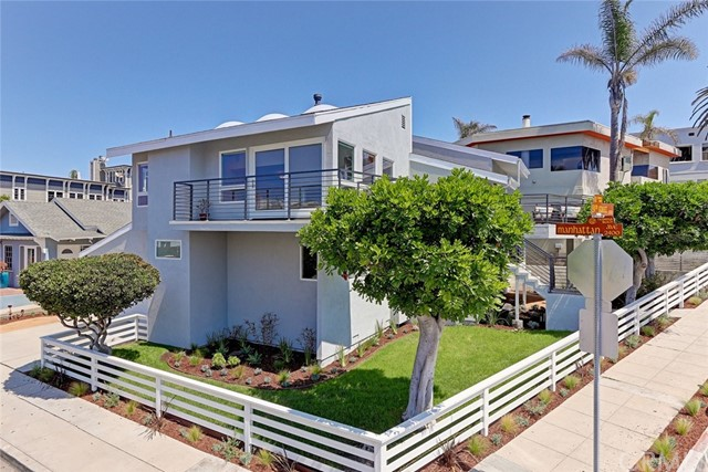 Maison unifamiliale pour l Vente à 201 24th Street 201 24th Street Hermosa Beach, Californie,90254 États-Unis