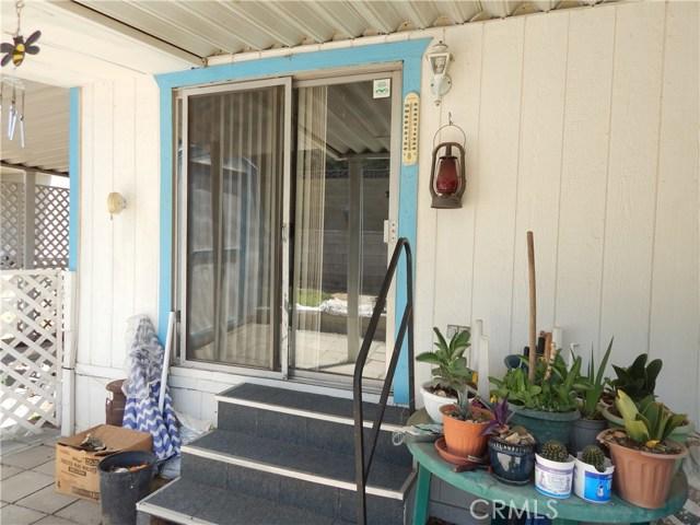 2200 W WILSON Street, Banning CA: http://media.crmls.org/medias/f71c23cb-0276-429b-b0da-c108a8e9e4d3.jpg