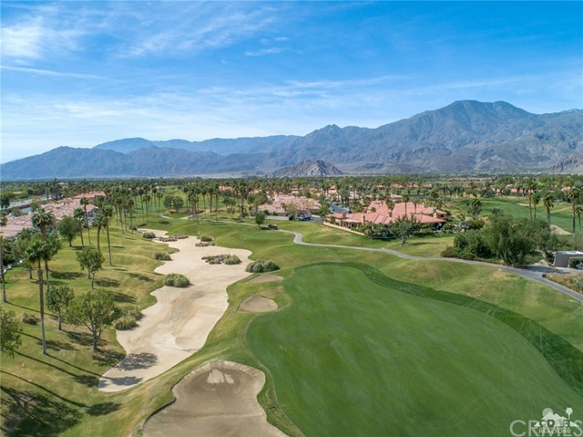 Photo of home for sale at 54675 Winged Foot, La Quinta CA