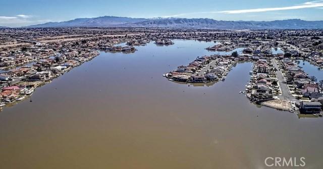 13745 Spring Valley, Victorville CA: http://media.crmls.org/medias/f72dbdcb-cc18-4212-95f7-86831ea95848.jpg