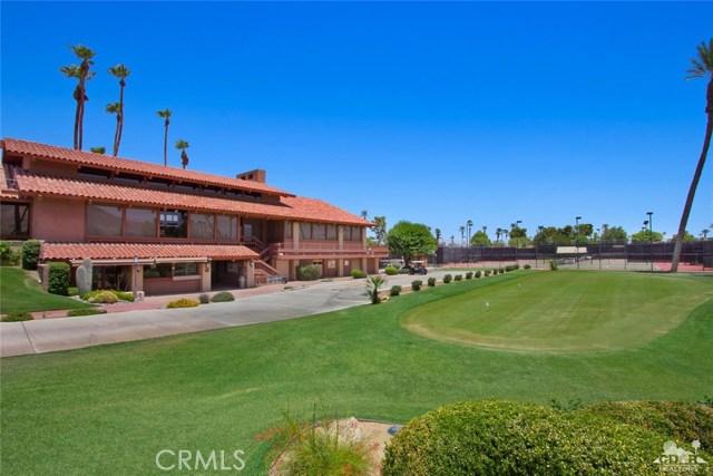 21 La Cerra Drive, Rancho Mirage CA: http://media.crmls.org/medias/f72dc8e0-1b75-4e0e-a2cb-d1089bcaa623.jpg
