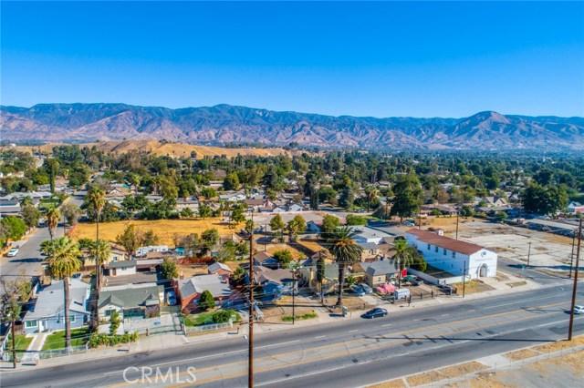 1178 Barton Street, San Bernardino CA: http://media.crmls.org/medias/f7329554-b8d6-4996-abdb-76617b35a6bc.jpg