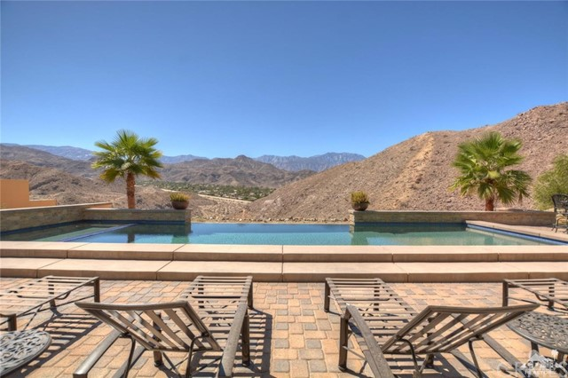 18 Mount San Jacinto Circle - Rancho Mirage, California