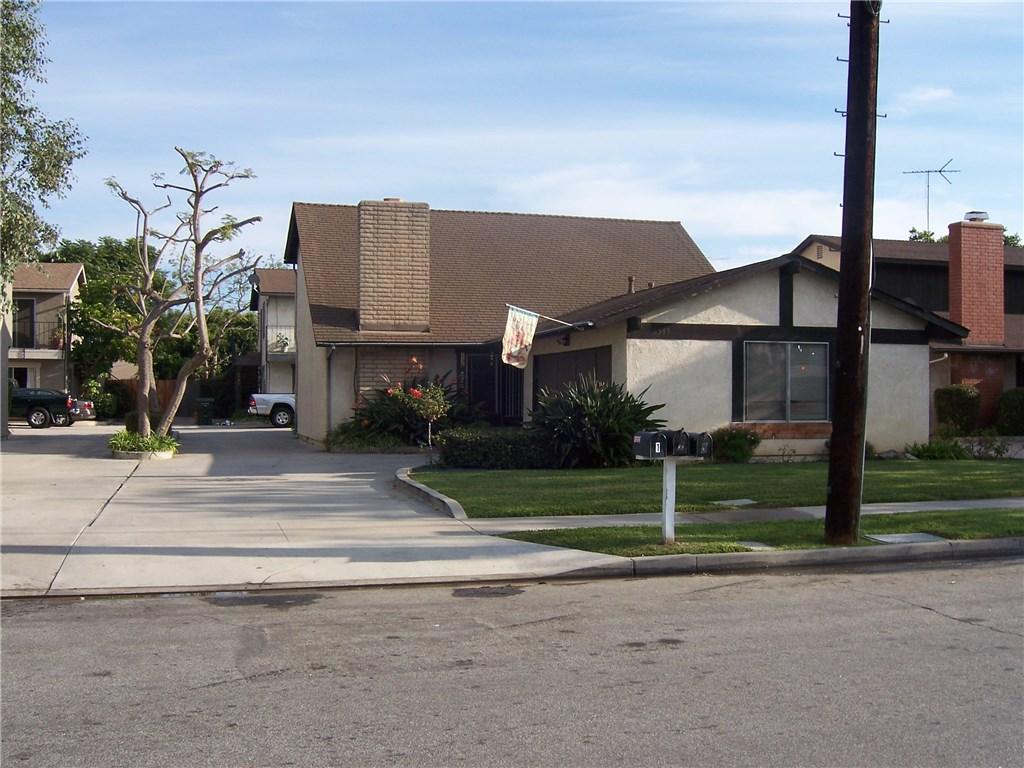 2380 Orange #3 Avenue, Costa Mesa CA: http://media.crmls.org/medias/f747bc13-e6a3-46db-aacb-a1e81070e129.jpg