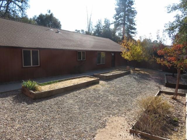 51802 Ponderosa Way, Oakhurst CA: http://media.crmls.org/medias/f74b75ad-2cc8-4e1e-896f-8075ba0d62bf.jpg