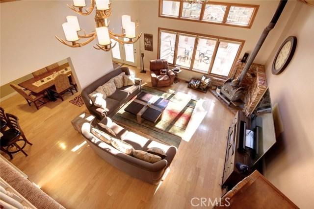 746 Snowbird Court, Big Bear CA: http://media.crmls.org/medias/f7506958-f385-4291-961c-70f2196e295e.jpg