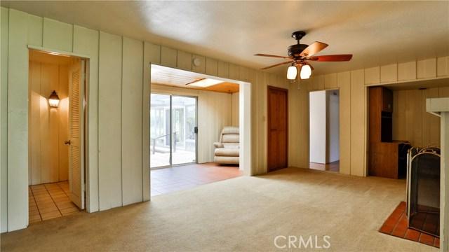 823 Glendenning Way, San Bernardino CA: http://media.crmls.org/medias/f7546776-75ea-4b1c-8369-52086419e606.jpg
