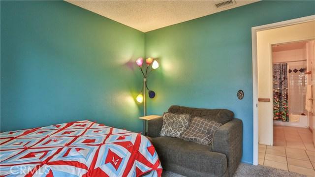 1322 Lanfair Street, Redlands CA: http://media.crmls.org/medias/f768f16c-3a3e-4ef4-b5c6-88601a97dcfb.jpg