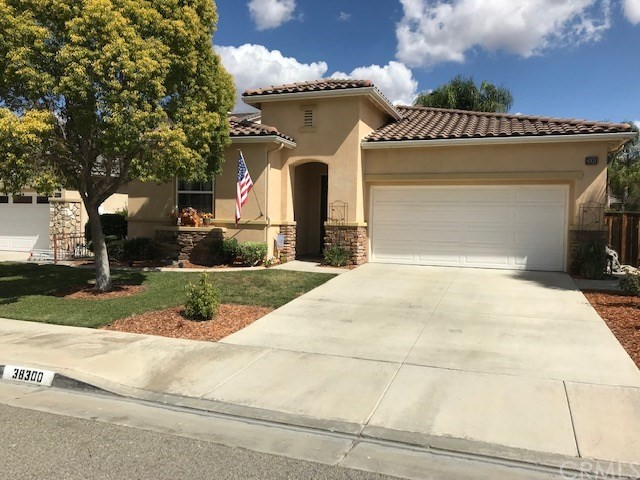 38300 Highpointe Lane Murrieta, CA 92563 - MLS #: SW18244277