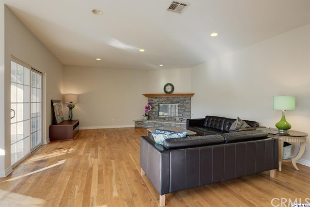 332 Baptiste Way La Canada Flintridge, CA 91011 - MLS #: 318000159