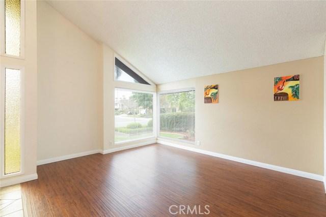 1361 Rosehill Drive, Riverside CA: http://media.crmls.org/medias/f7913db6-48f4-45de-85a2-2f379700d23f.jpg