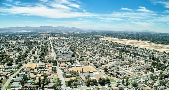 1406 E Ralston Avenue, San Bernardino CA: http://media.crmls.org/medias/f796cdff-26c3-47a4-b673-e070320718d9.jpg