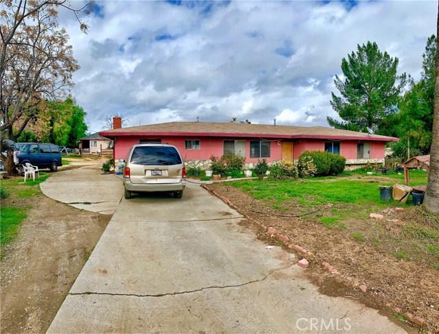 22340 San Jacinto Avenue, Perris CA: http://media.crmls.org/medias/f79a1a40-1919-478a-a703-7a8907cb6a25.jpg
