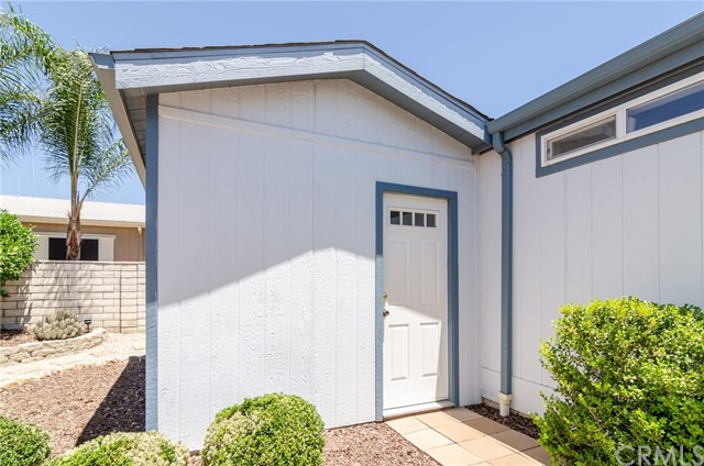 1682 Willow Leaf Drive, Hemet CA: http://media.crmls.org/medias/f79e1924-62f7-415e-8df1-b8d6c18bd9ef.jpg
