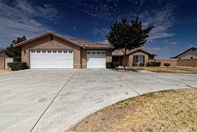 12546 Highline Drive, Apple Valley, CA, 92308