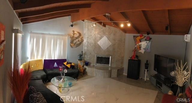 10752 Gerald Avenue, Granada Hills CA: http://media.crmls.org/medias/f7a53152-7d4f-47e2-aeb7-48cb6494011d.jpg
