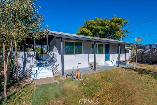 1178 Barton Street, San Bernardino CA: http://media.crmls.org/medias/f7ae7f32-8210-43b1-9650-3c18880838c7.jpg