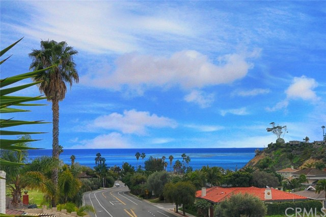 2815 Via Montecito San Clemente, CA 92672 is listed for sale as MLS Listing OC17027018