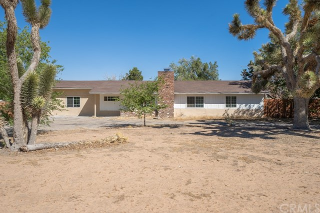 14101 Iroquois Road, Apple Valley, CA, 92307