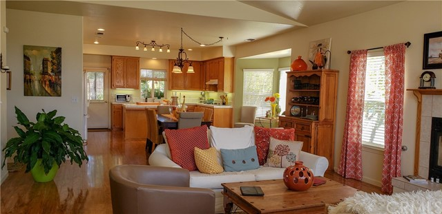 1914 Pebble Beach Court, Paso Robles CA: http://media.crmls.org/medias/f7be299a-2d5c-4887-b856-e2ed6527c6d4.jpg