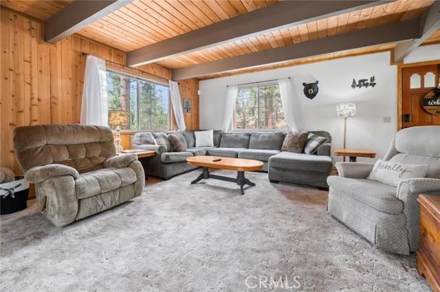 745 Barret Way, Big Bear CA: http://media.crmls.org/medias/f7d06703-1d7d-4181-b882-99a4eca31c57.jpg