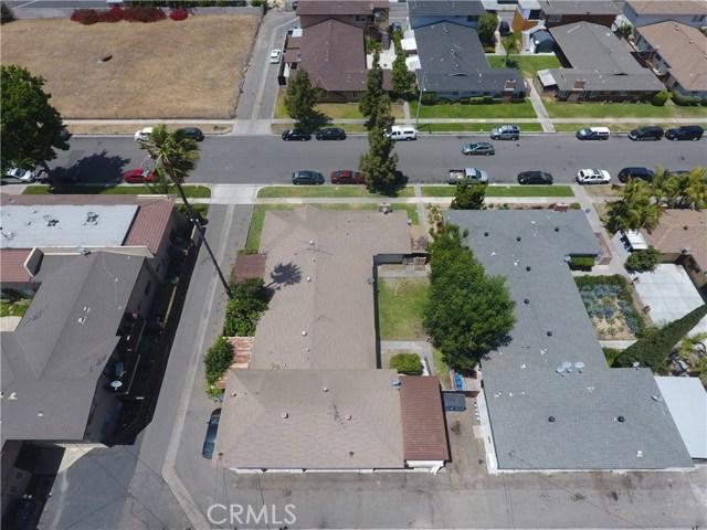 3538 W Mungall Drive, Anaheim CA: http://media.crmls.org/medias/f7e6a393-2206-4c76-906b-ef224f7f76c0.jpg