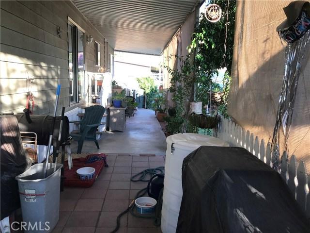 4901 Green River Road, Corona CA: http://media.crmls.org/medias/f7e91809-f6af-41cf-90c4-f535b0454089.jpg