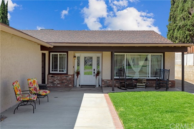 219 8th street, Norco CA: http://media.crmls.org/medias/f7f71880-a42d-4cd6-82ed-23956ae891cf.jpg