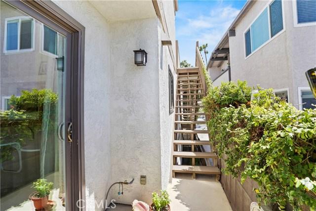 1447 Manhattan Beach Blvd D, Manhattan Beach, CA 90266 photo 2