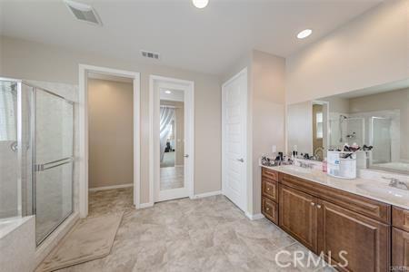 13025 Goldenrod Drive, Eastvale CA: http://media.crmls.org/medias/f80a0d9f-fb45-4242-bdd4-f4fc24222cb2.jpg