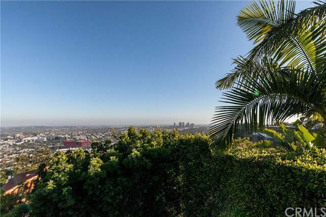 1500 Viewsite Ter, Los Angeles, CA 90069 Photo 17